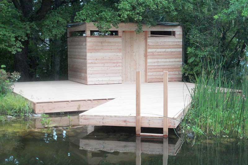Lux Bau Referenz Badehütte Steg
