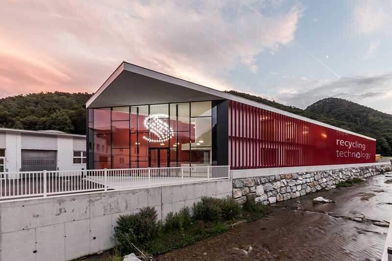 Lux Bau Referenz Starlinger Bürogebäude